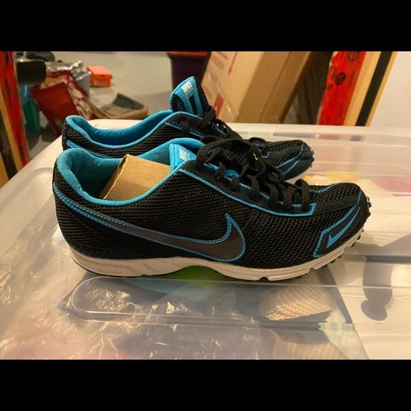 Nike women's light weight running shoes - 6.5